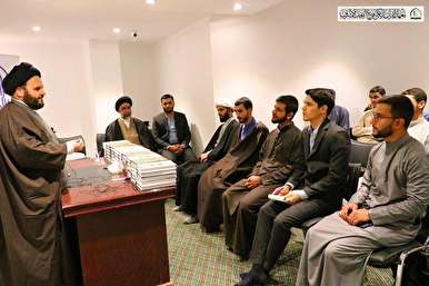 Afghan Quran Memorizer Supervising Quranic Course in Najaf